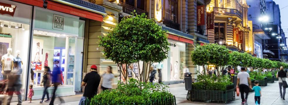 Calle Florida, en Buenos Aires. El comercio minorista es uno de los motores de la economía de la región.