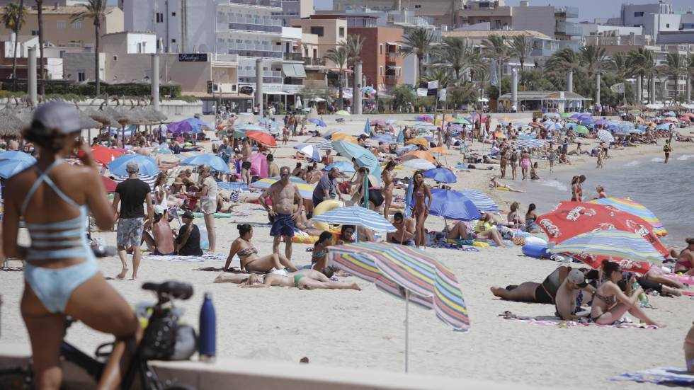 Vacations In Spain Crackdown On British Tourists Phony Food
