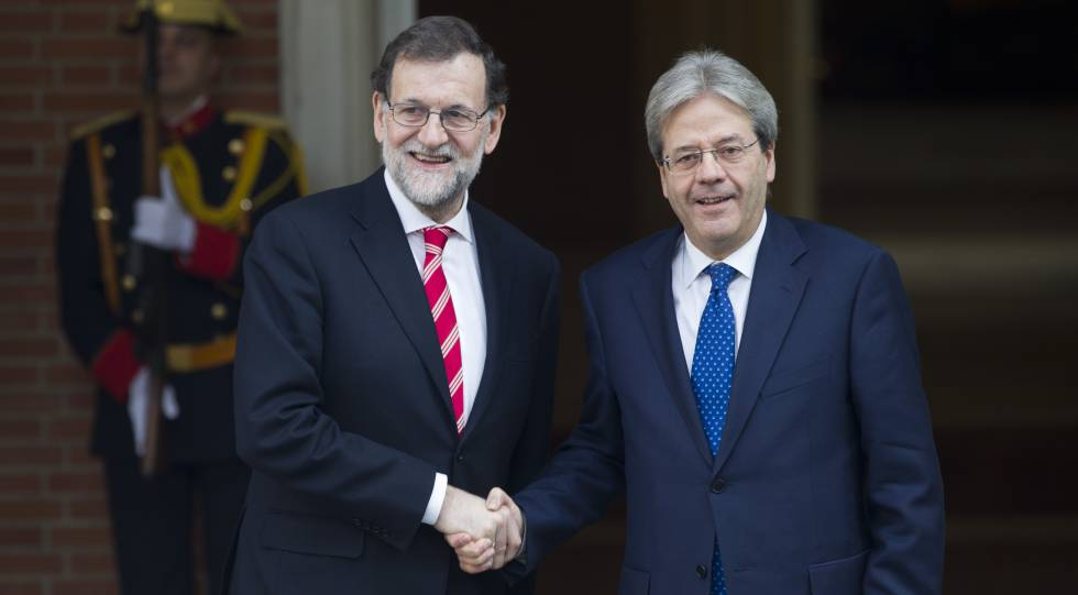 Spanish Prime Minister Mariano Rajoy with Italian Prime Minister Paolo  Gentiloni.