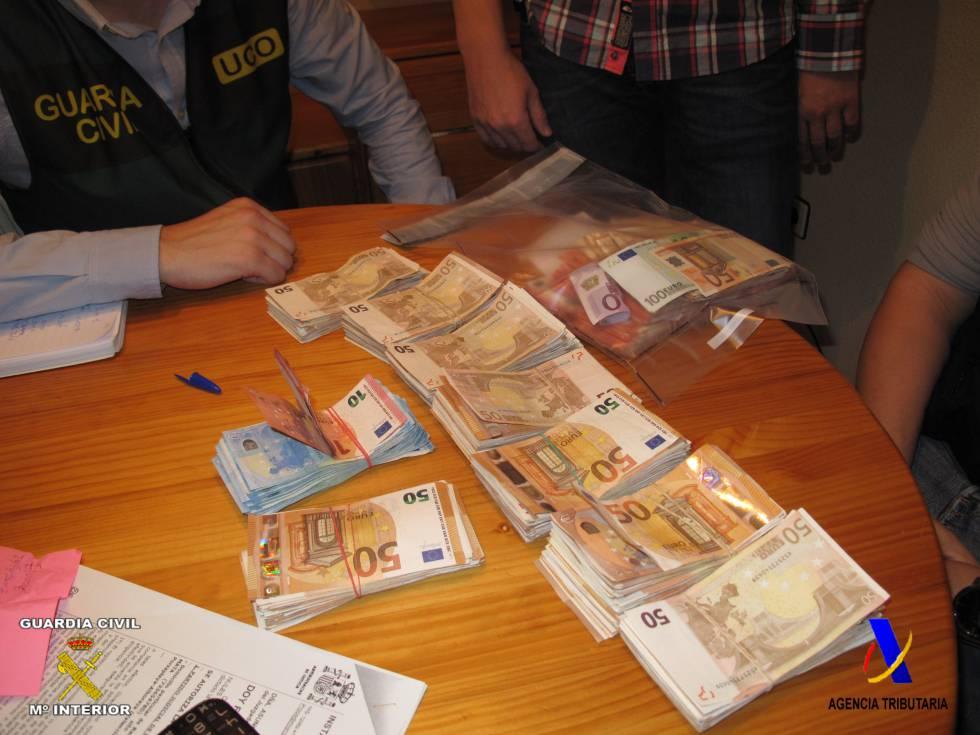 Dinero requisado en una de las viviendas de los cabecillas de la trama de fraude fiscal.