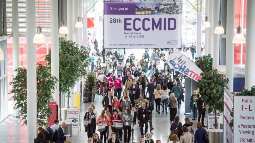 Visitantes en la pasada edición del congreso Europeo de Microbiología Clínica y Enfermedades Infecciosas en Austria.
