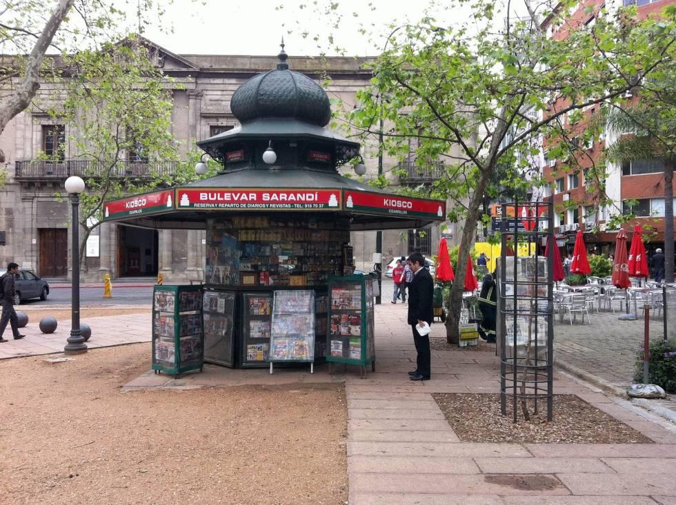 Uruguay fue el primer país de América Latina en prohibir el consumo de cigarrillos en espacios públicos cerrados.