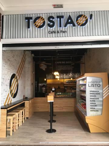 Cafetería de la cadena colombiana Tostao'