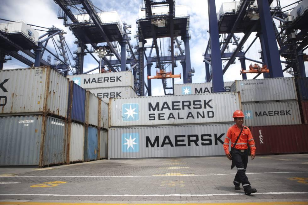 Contêineres de carga no porto de Lázaro Cárdenas (Veracruz, México).