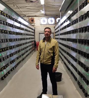 Marcel Mendes da Costa, en el centro de datos Borealis.