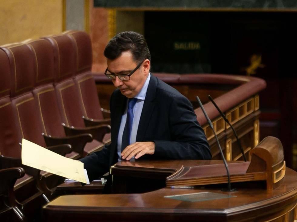 El ministro de econom a anuncia ma ana el nuevo gobernador for Manana abren los bancos en espana