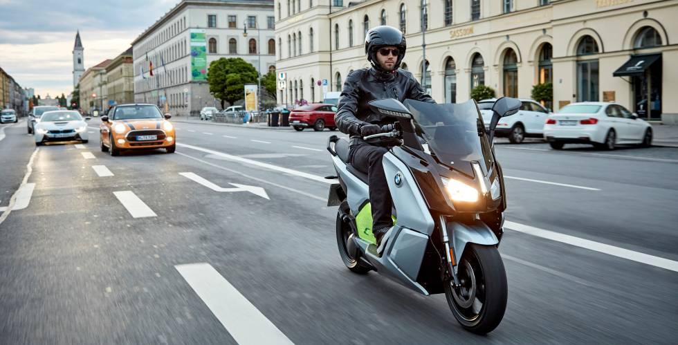 5acbb1b2d27 Sabes cuánto te va a costar realmente tener una moto? | Economía ...