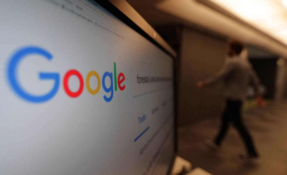 Pantalla de un ordenador con el buscador Google.