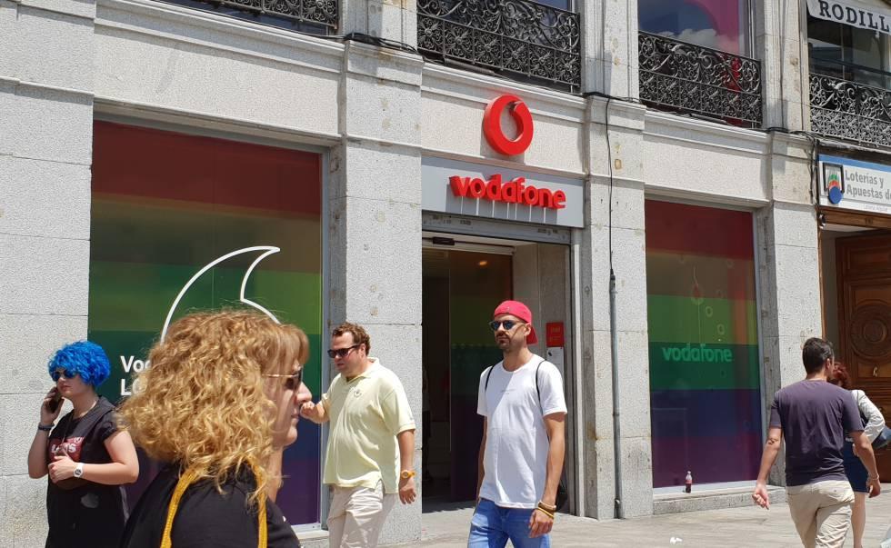 Vodafone sackings: Vodafone Spain announces 25% staff cutbacks, with