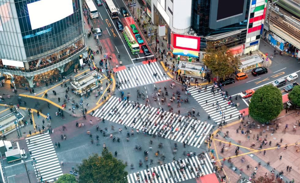 Vista aérea de un cruce en la ciudad de Tokio.
