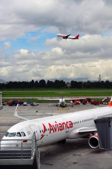 Aviones de Avianca en el aeropuerto El Dorado de Bogotá.