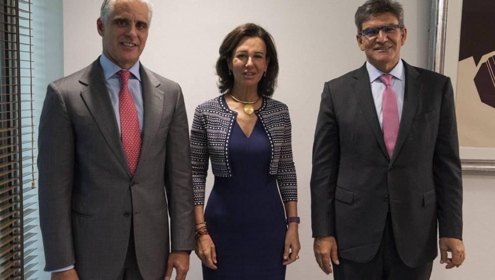 """Andrea Orcel, che sarebbe stato il """"numero due"""" di Santander;  Ana Botín, presidente;  e José Antonio Álvarez, vice presidente del gruppo e presidente di Santander Spagna."""