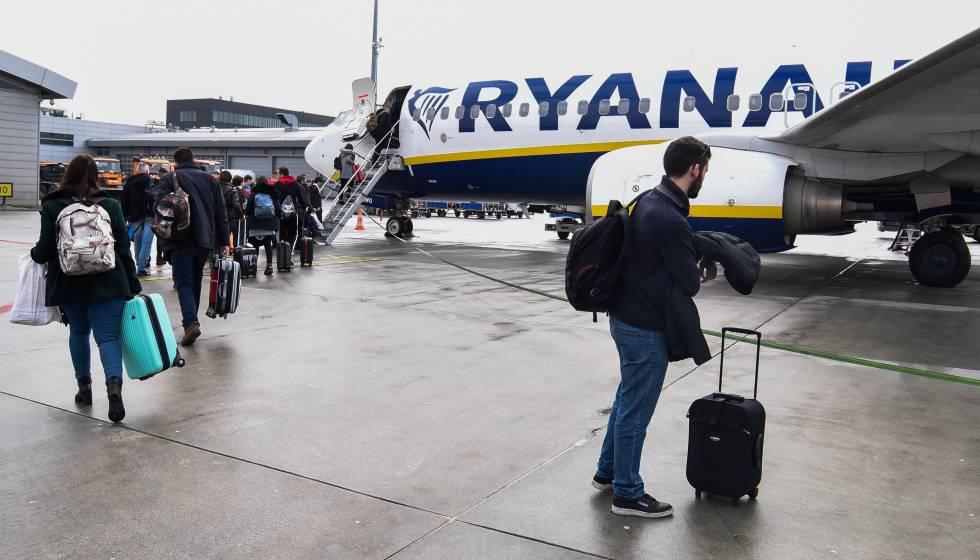"""6c1168f43 Italia multa con tres millones a Ryanair por """"engañar"""" al cobrar por ..."""
