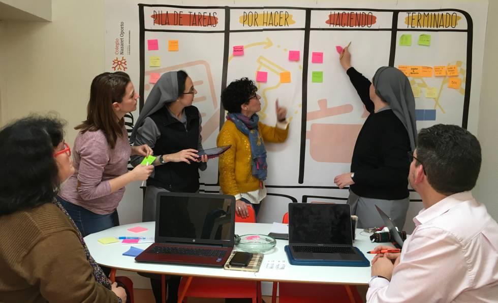 De izquierda a derecha, Marta Gómez (directora académica de ESO-bachillerato), Marta García (administrativa), Aurora Montesdeoca (directora académica de primaria), Yolanda Flores (coordinadora de infantil), Mar S. Izuel (directora titular) y Juanan García (jefe de estudios), del colegio Nazaret-Oporto.
