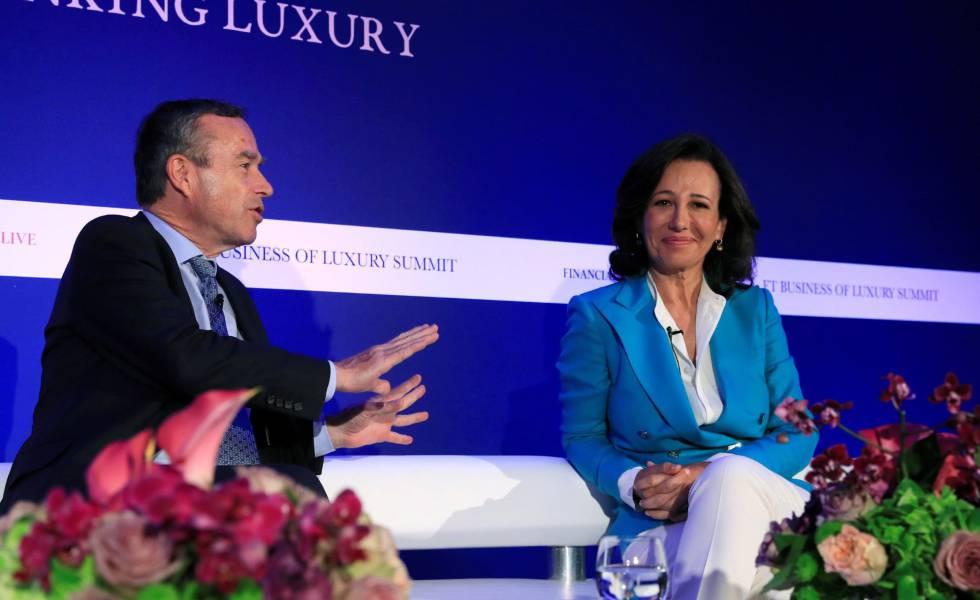 """Il presidente di Santander, Ana Botín, nell'atto del """"Financial Times""""."""