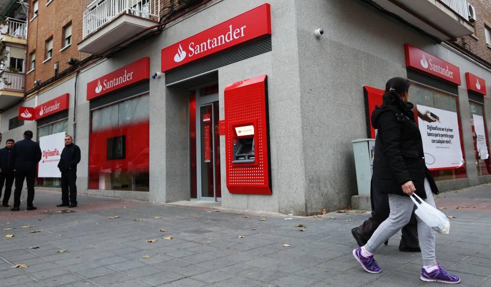 Filiale della Banca di Santander sul viale Pablo Neruda a Madrid.
