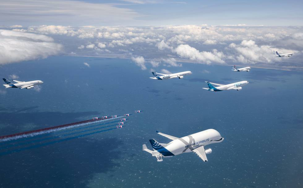 Celebración del 50 aniversario de la creación de Airbus, con todos los aviones comerciales en vuelo, en mayo pasado.