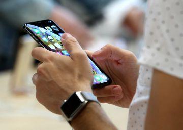 ae441add507 La compra de móviles de alta gama cae arrastrada por la bajada de ventas de  Apple