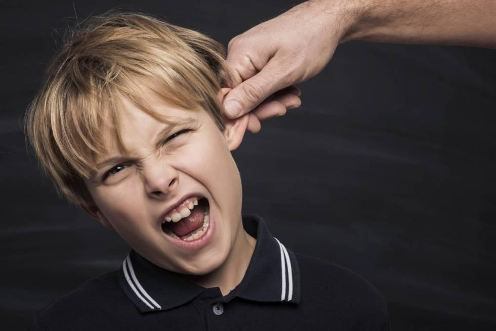 Francia prohíbe las bofetadas a los niños: ¿qué dicen la ley y los tribunales en España?