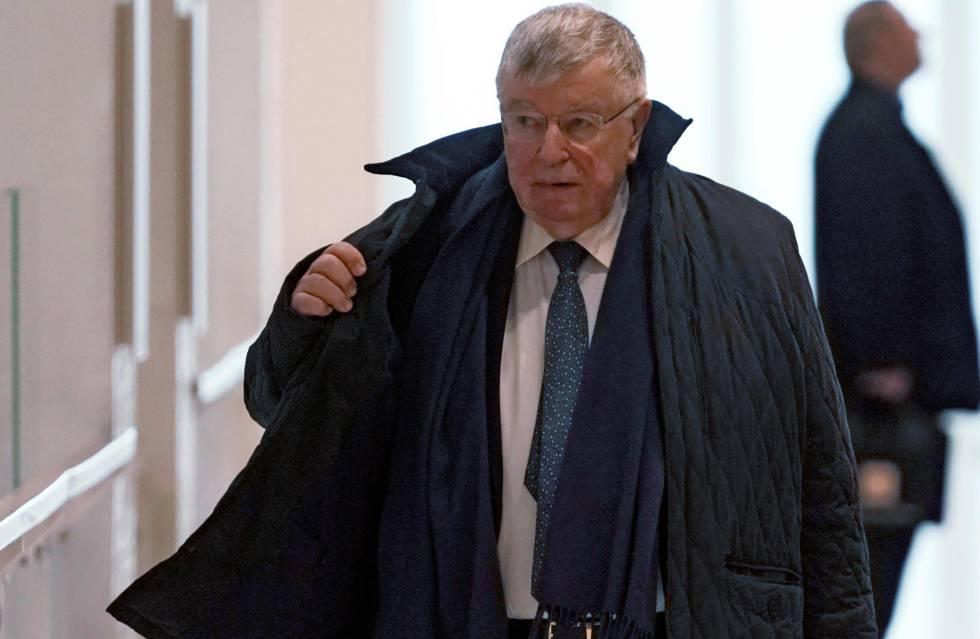 El ex consejero delegado de France Telecom, Didier Lombard, llega al tribunal el pasado mayo.