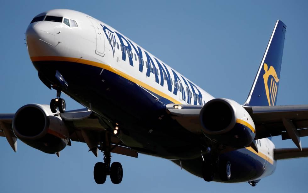 Ryanair anuncia un ERE que dejará sin empleo a 432 trabajadores en Girona y Canarias
