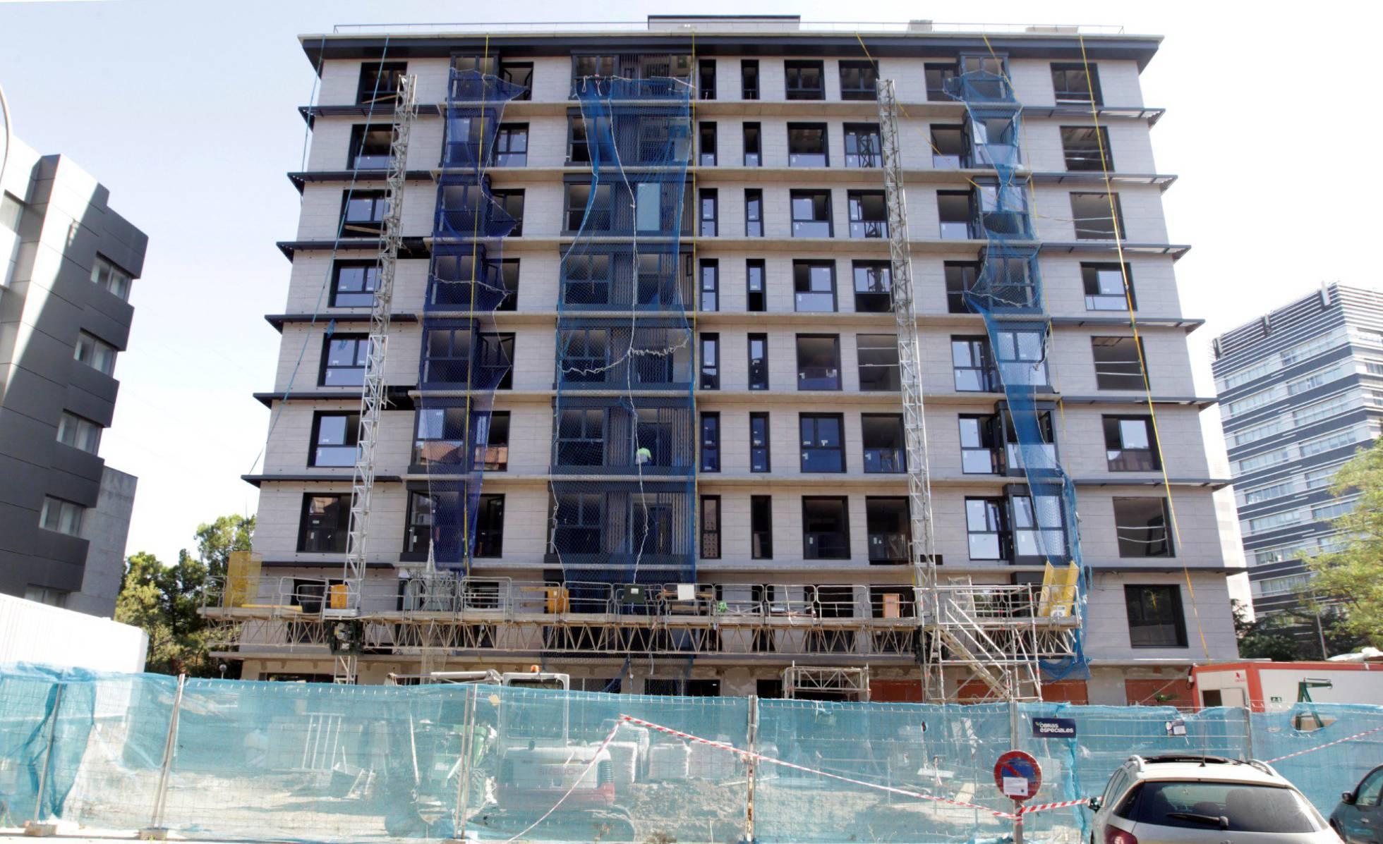 Los permisos para construir nuevas casas bajan en julio por tercer mes consecutivo