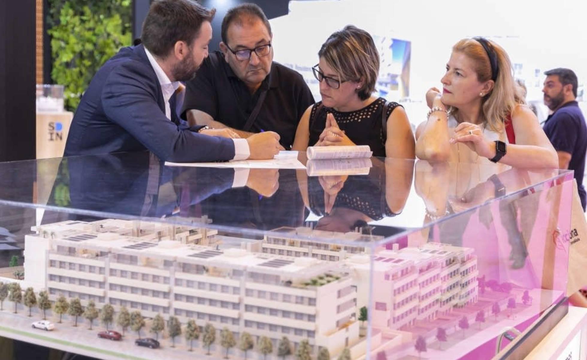 El sector inmobiliario exige activar la comisión de seguimiento del 30%