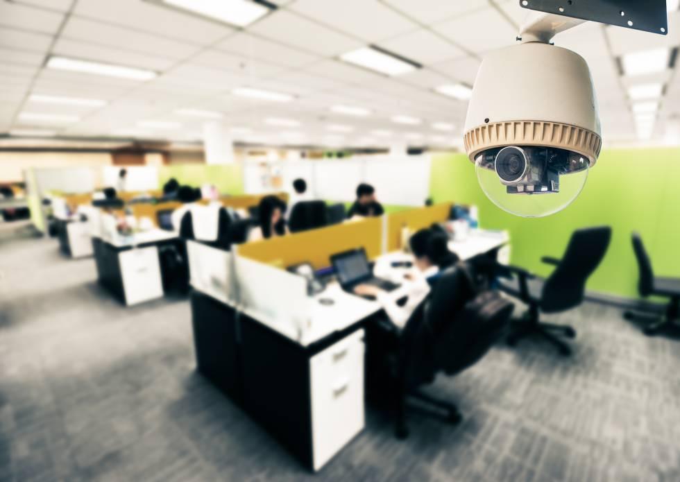 El control empresarial puede, en ocasiones, afectar a la privacidad de los empleados.
