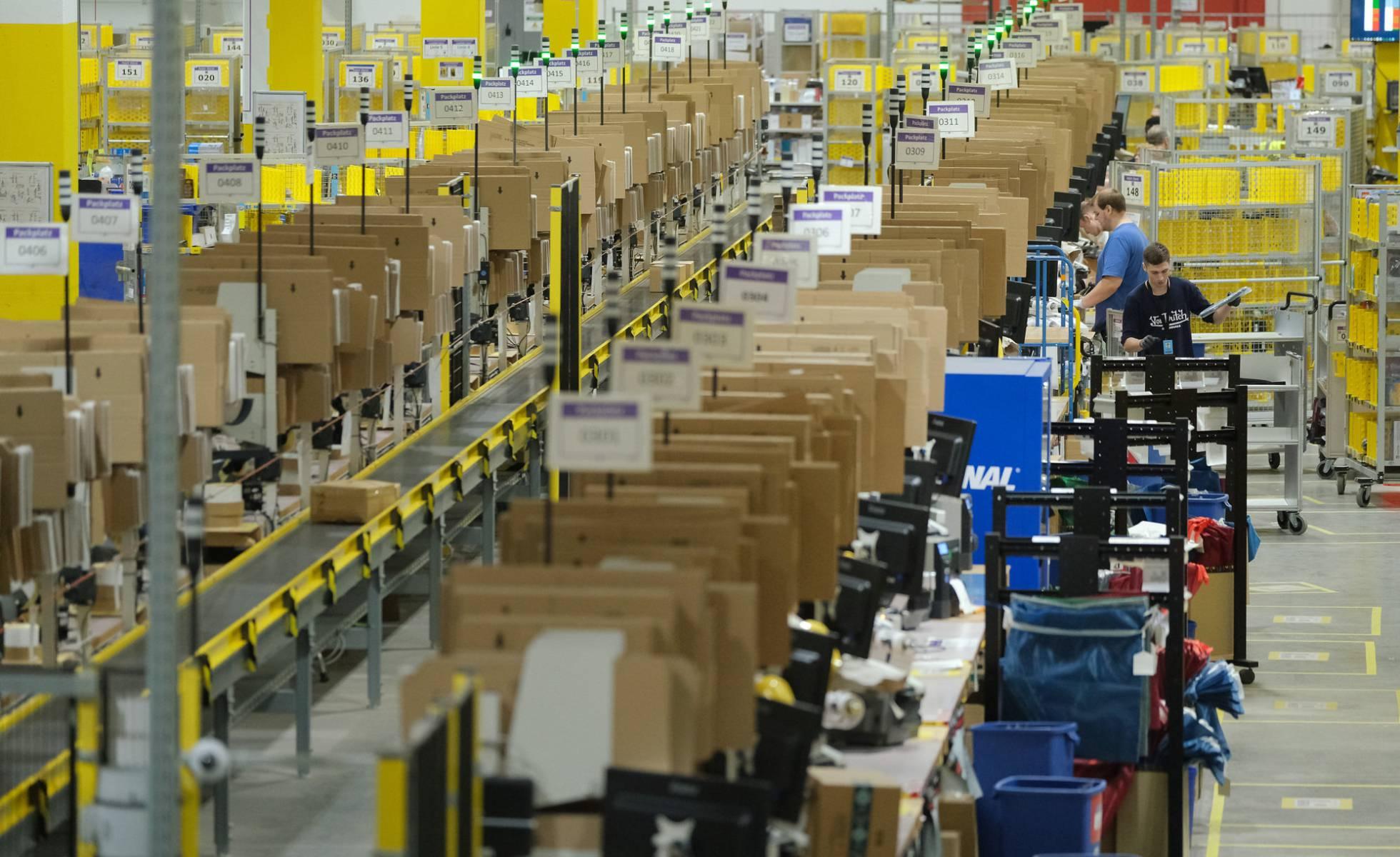 La Justicia europea advierte a Amazon: debe supervisar la legalidad de sus productos
