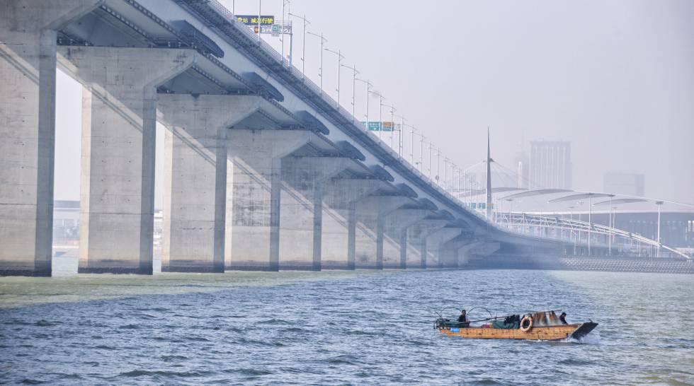 Megalomanía china: las obras públicas más impactantes del país y su escasa rentabilidad