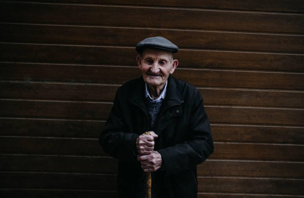 El tío Miguel que, con 100 años, es el vecino más anciano de Oliete.