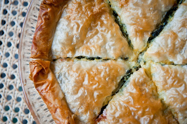 Spanakopita (pastel griego de espinacas y feta)
