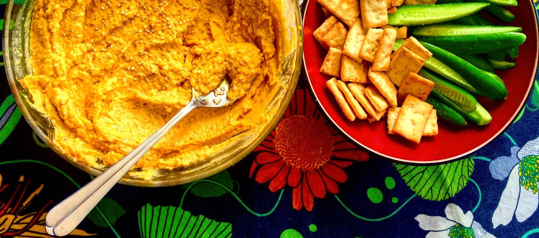 Hummus con zanahoria asada y pimentón