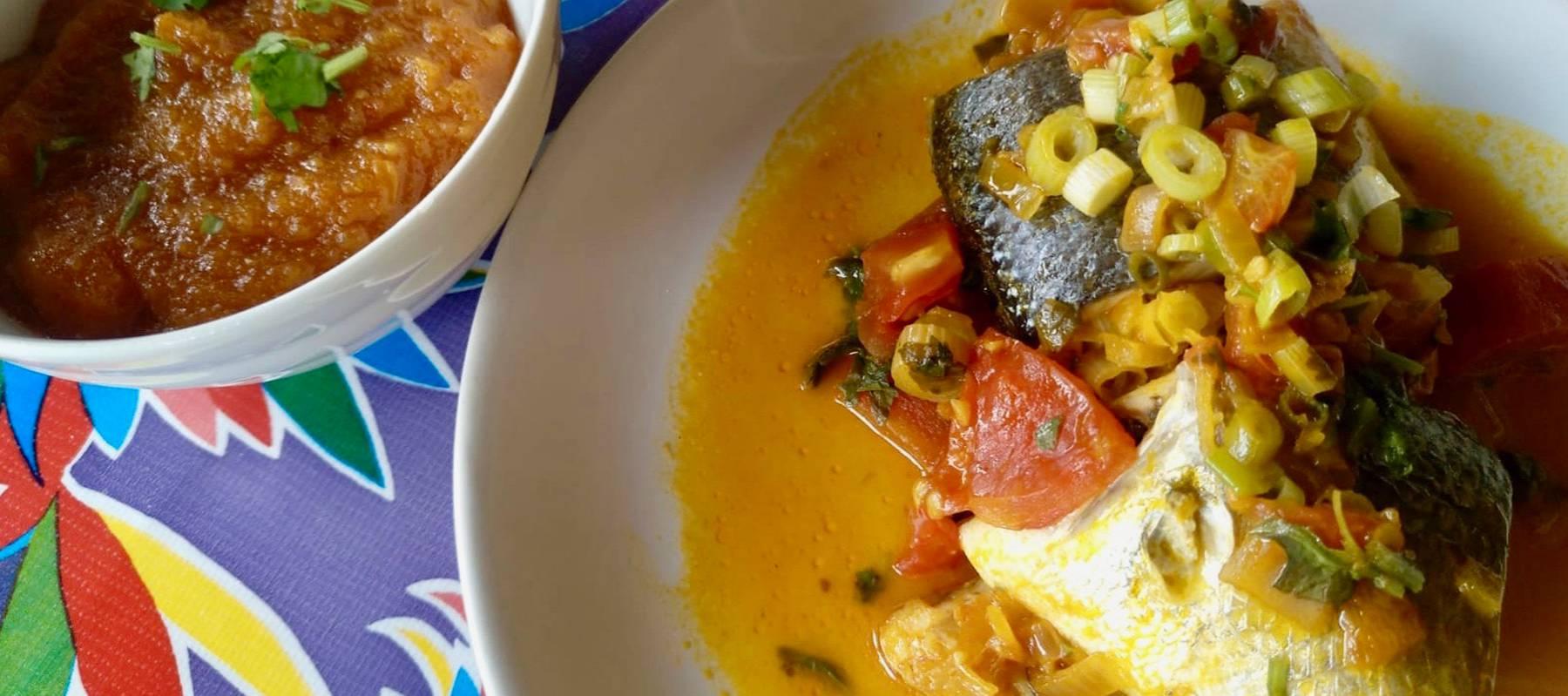Moqueca capixaba (estofado brasileño de pescado)