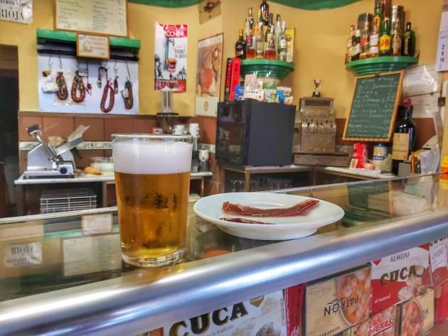 ¿Por qué las cañas son más caras y más pequeñas en Madrid?