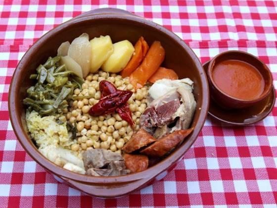 La recuperación de un cocido madrileño con historia (y cangrejos)
