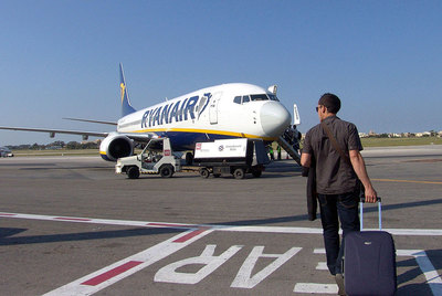 Ryanair is threatening to cancel half of its flights to Girona airport.