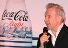 Gaultier customiza las botellas de Coca-Cola light