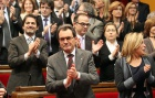 Catalan parliament approves sovereignty declaration