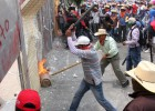 Mexico mulls crackdown on dissident teachers' protests