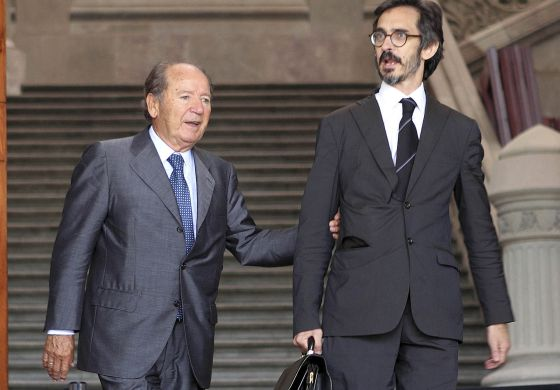 The businessman and former president of FC Barcelona,José Luis Núñez Clemente (l), accompanied by his son, Jose Lluis Núñez Navarro, also convicted in the case.
