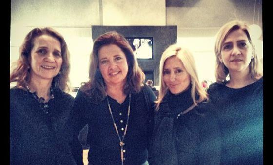 La familia real griega se reúne para un \'selfie\' | Gente y Famosos ...