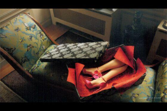 Louboutin Campaña Macabra La Una Desata Polémica Publicitaria Con Nn0O8vmw