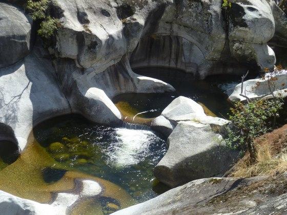 Chapuz n salvaje las mejores piscinas naturales en espa a for Escapada rural piscinas naturales