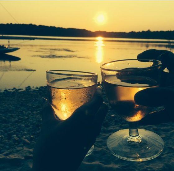 Unas copas de vino a su salud - 2 8