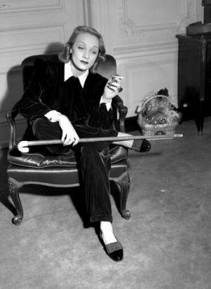 Junto con Dalí, Marlene Dietricht fue una de las más célebres residentes del parisino Hotel Lancaster. Si viviera hoy, sería expulsada por fumar