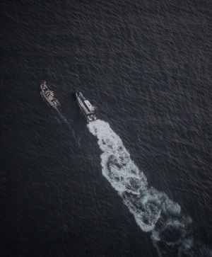 A Civil Guard boat intercepts a vessel suspected of transporting drugs close to Gibraltar.