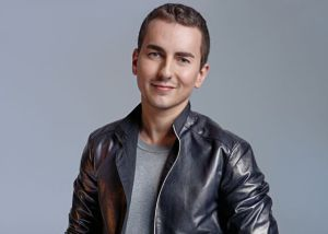 Motorcycle champion Jorge Lorenzo was targeted by the Tax Agency because of a magazine photo story flaunting his wealth.