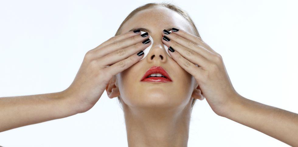 Cirugía de las reducir la ocular bolsas debajo
