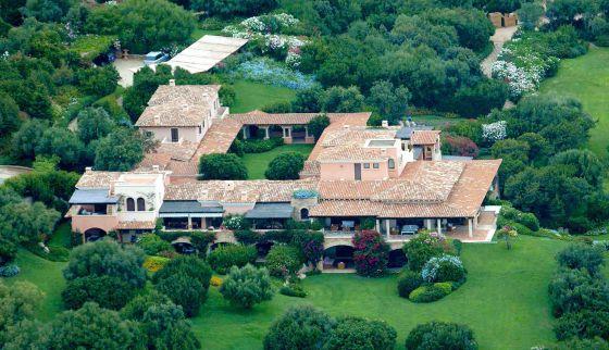 Vista aérea de villa Certosa, la mansión de Silvio Berlusconi en Cerdeña.